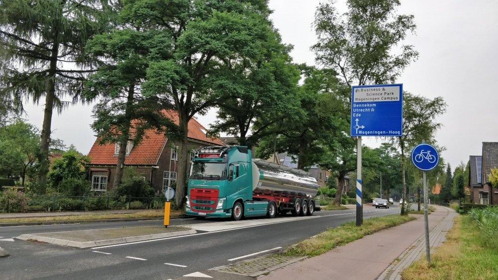 Op de route N225 - Diedenweg - Mansholtlaan zit veel A12 - A50 sluipverkeer dat knooppunt Grijsoord afsteekt. Dit draagt bij aan de verkeersdrukte op deze wegen.