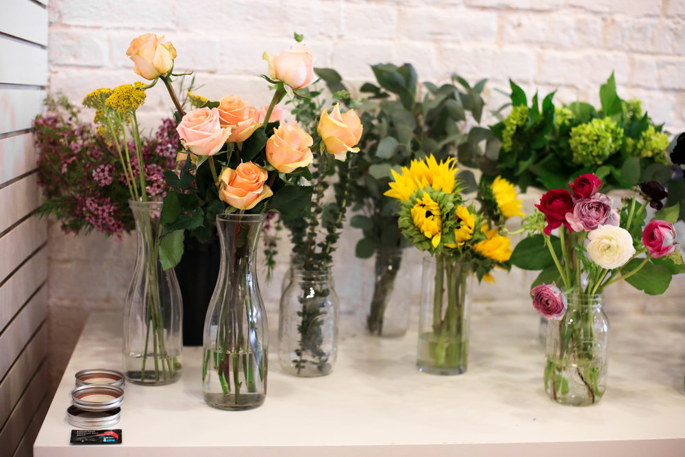 flower_arranging_workshop_handzy_covington_cincinnati
