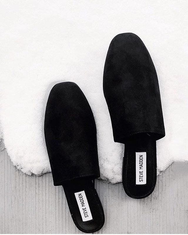 Slide into this week with our #stevemadden 'Slider' flats 🖤