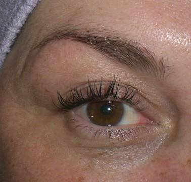 After eyelashes extensions
