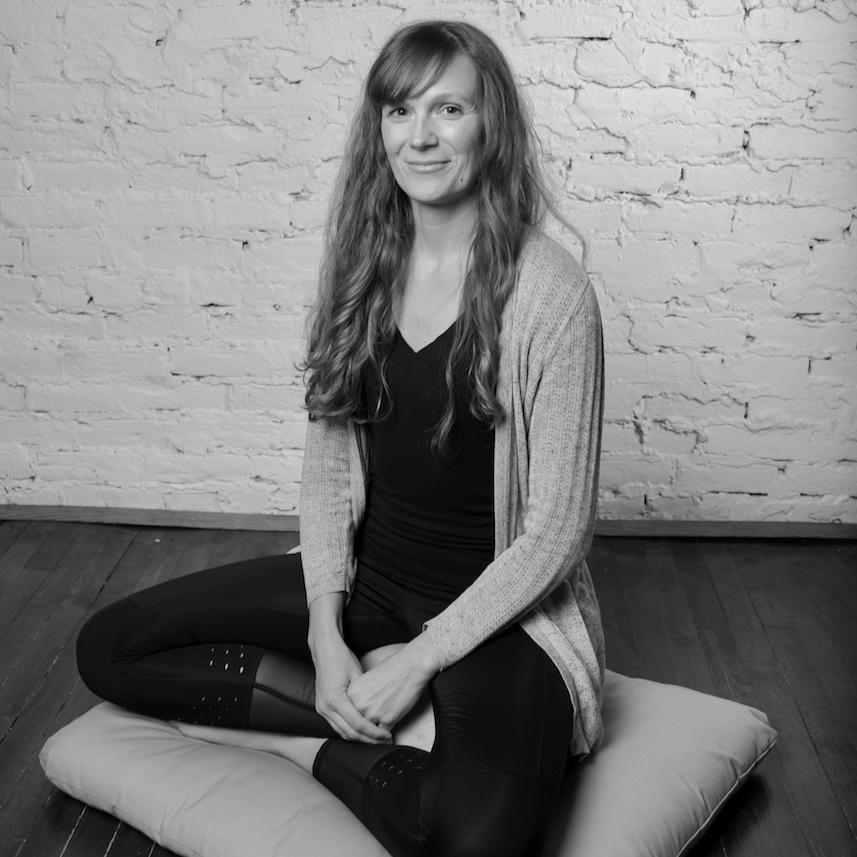 yoga_meditation_retreat_chill_chicago_cari_rogers.jpg