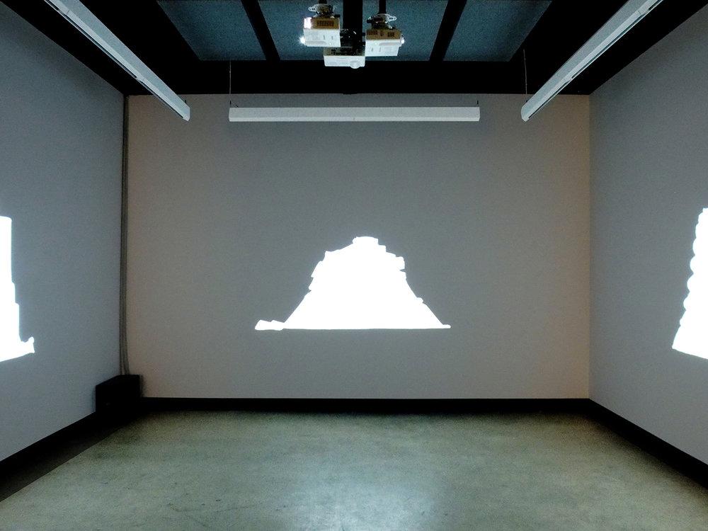 © Jacinthe Lessard-L.,  La chambre inversée exhibition view (2014). Photo: Dazibao.