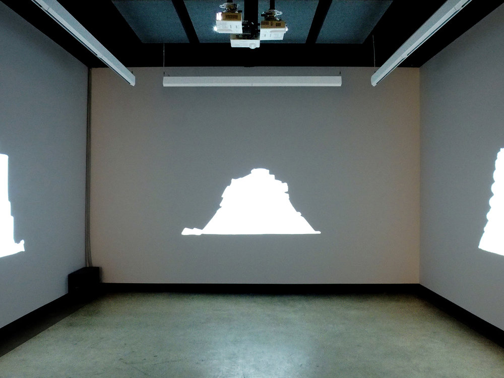© Jacinthe Lessard-L.,  La chambre inversée  exhibition view (2014). Photo: Dazibao.