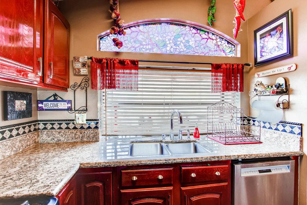 1525 San Bernardino Ave Spring-large-011-22-Kitchen-1500x1000-72dpi.jpg