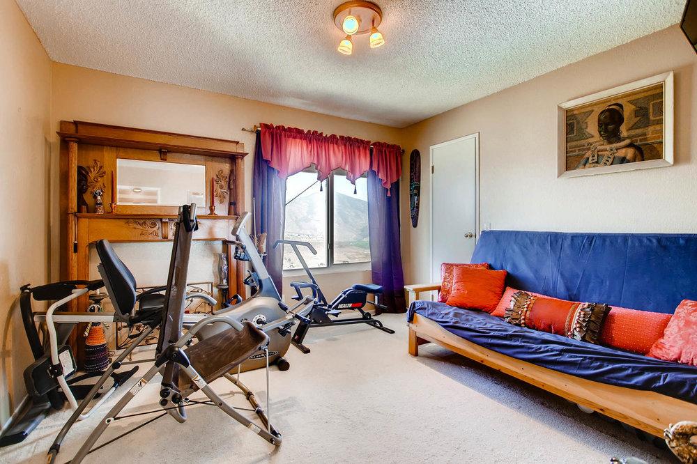 1525 San Bernardino Ave Spring-large-020-20-Lower Level Bedroom-1500x1000-72dpi.jpg