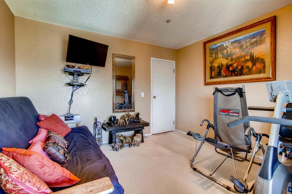 1525 San Bernardino Ave Spring-large-021-6-Lower Level Bedroom-1500x1000-72dpi.jpg