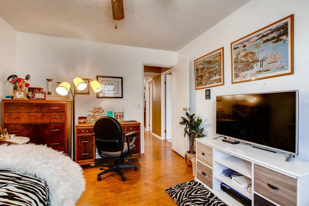1525 San Bernardino Ave Spring-large-023-12-Lower Level Bedroom-1500x1000-72dpi.jpg