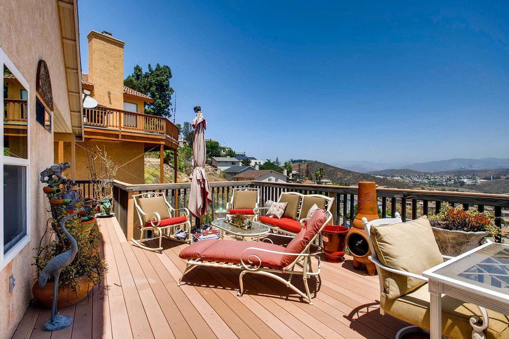 1525 San Bernardino Ave Spring-large-025-18-Patio-1500x1000-72dpi.jpg