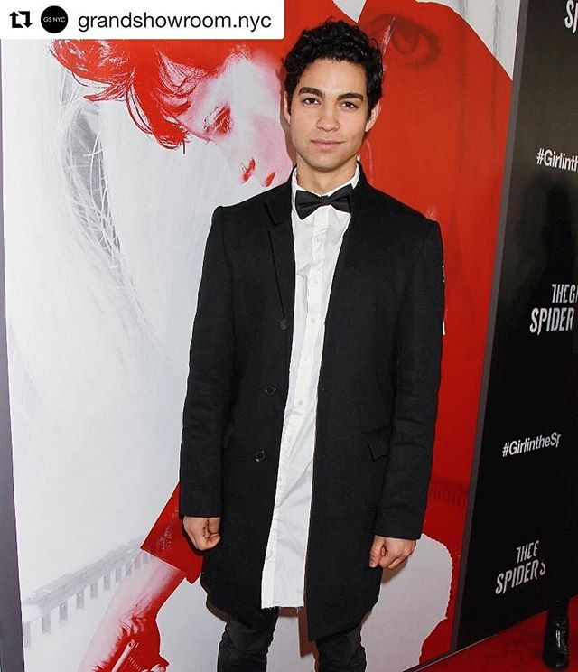 Last season we focused on more classic, timeless look. With our own distinctive twist, of course.  Next season, we're bringing back the funk. #staytuned  #Repost @grandshowroom.nyc ・・・ @2davisantos looking as chic as ever in the @defyant shirt & coat for the Girl in the Spider's Web premiere 🖤  #dfynt #defyant #clothes #timeless #timelessstyle #timelessdesign #funky #spidersweb #streetwear #styleblogger #fashion #nyc