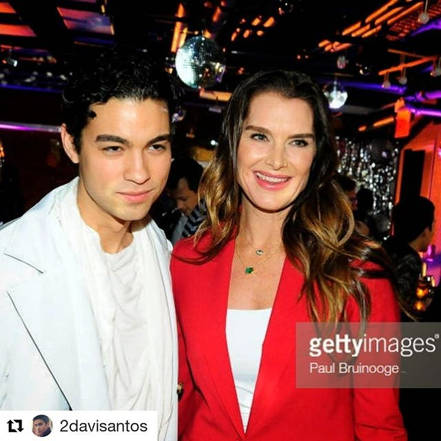 @2davisantos ・・・ Graced by my OG ladies at the opening of the ultra bougie-guilty-pleasure-must-try @cmxcinemas with @brookeshields presenting a 1978 #PrettyBaby that's far more scandalous than any #Lolita #TaxiDrivermovie 🦞 Fubi ❤️ Ju 🦞  Defyant ➡️ Davi Santos ➡️ Brooke Shields ➡️👊👊👊 #DFYNT #DEFYANT  #streetwear #tellmeastory #davisantos #brookeshields #legend #OG #streetwearfashion  #clothes #openingceremony  #sneakpeek