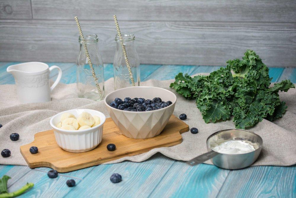 Blueberry-Kale-Smoothie-2.jpg