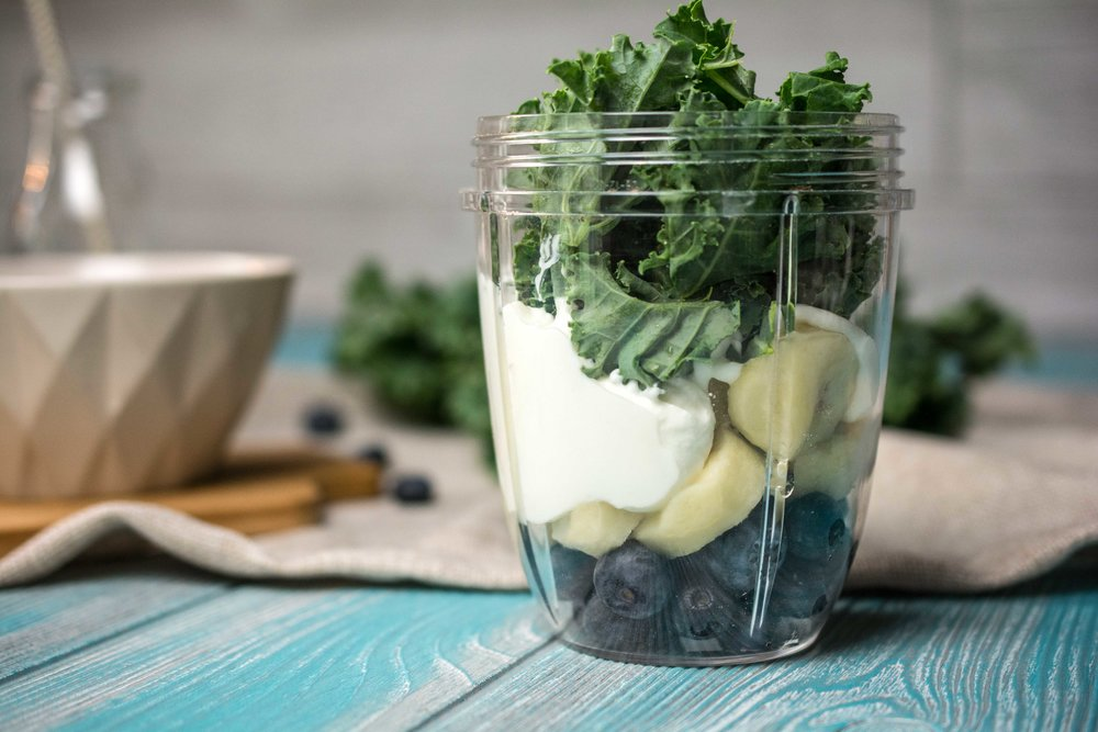 Blueberry-Kale-Smoothie-3.jpg