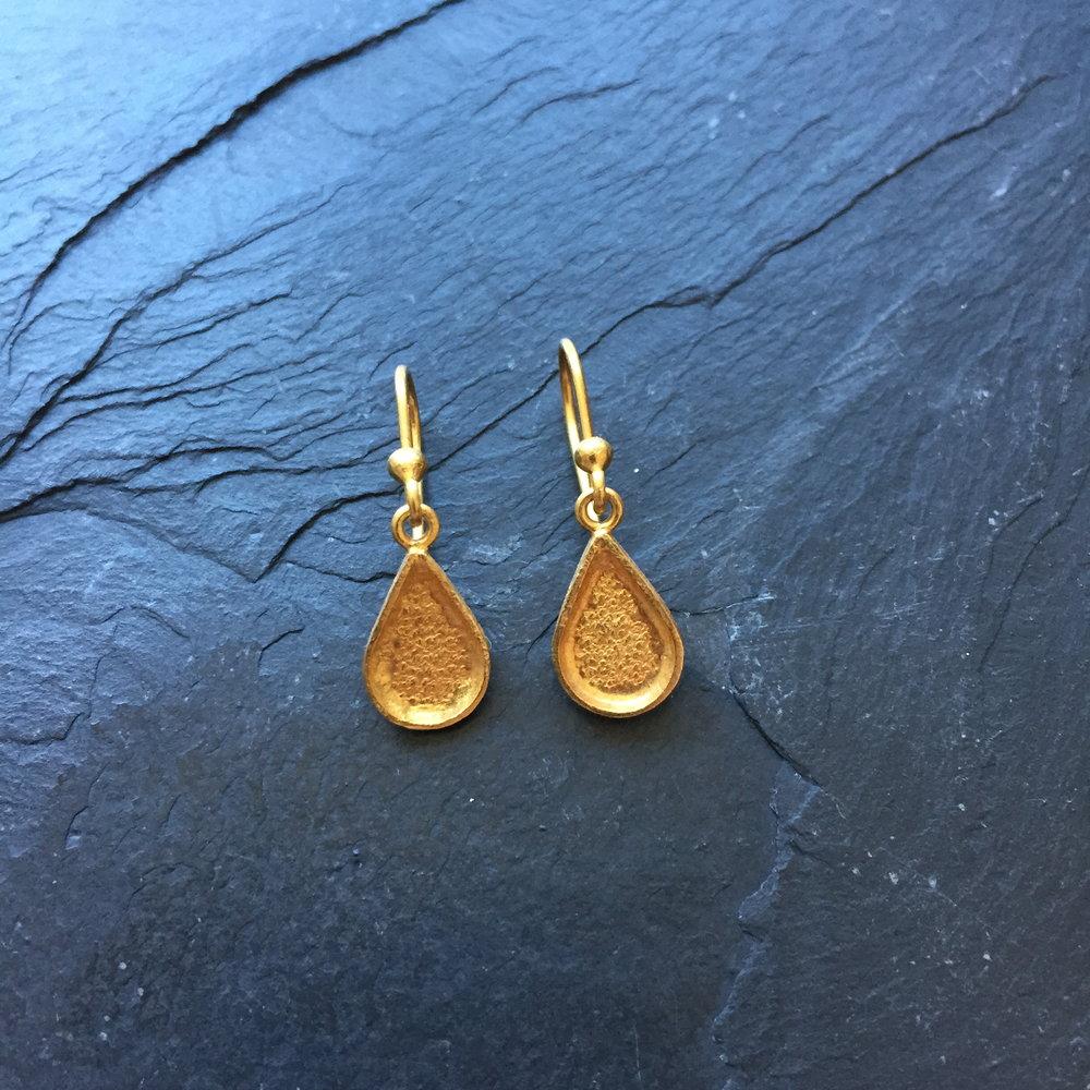Teardrop II earrings.JPG