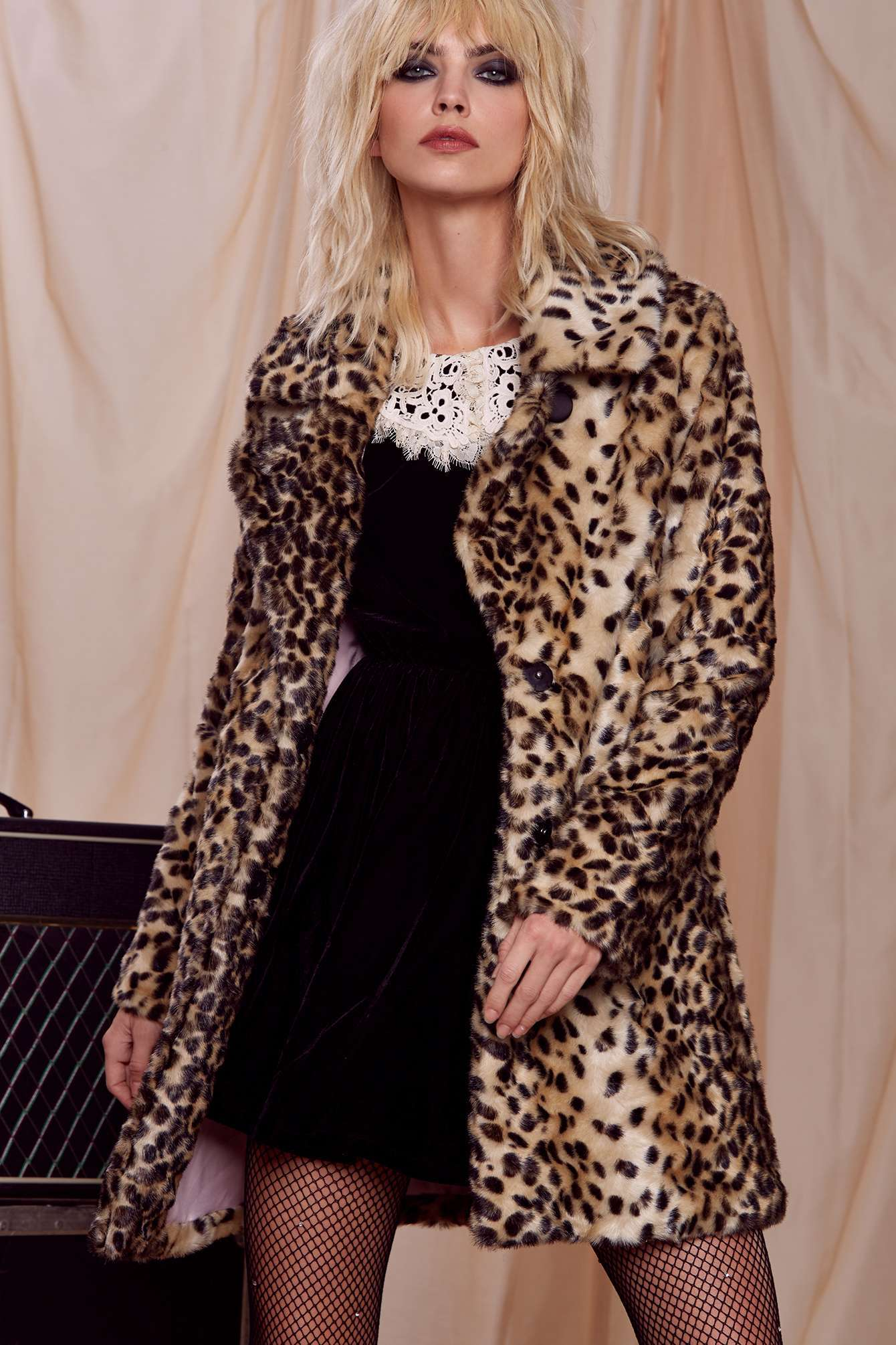 courtney-love-nasty-gal-faux-fur-animal-print-coat