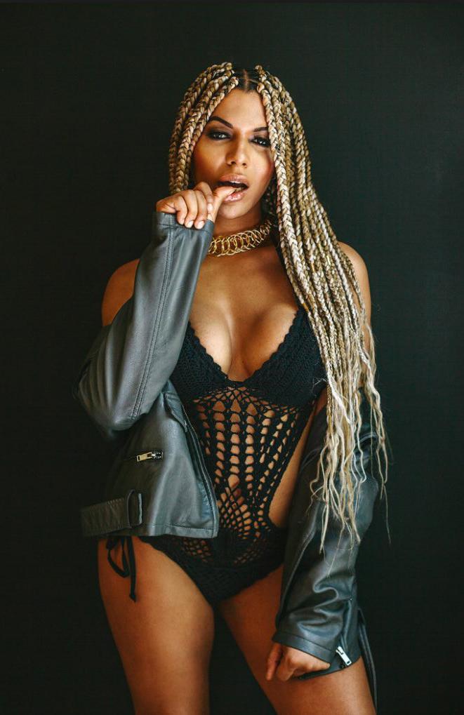 LOreal-sacks-transgender-model-Munroe-Bergdorf-over-racist-rant.jpg