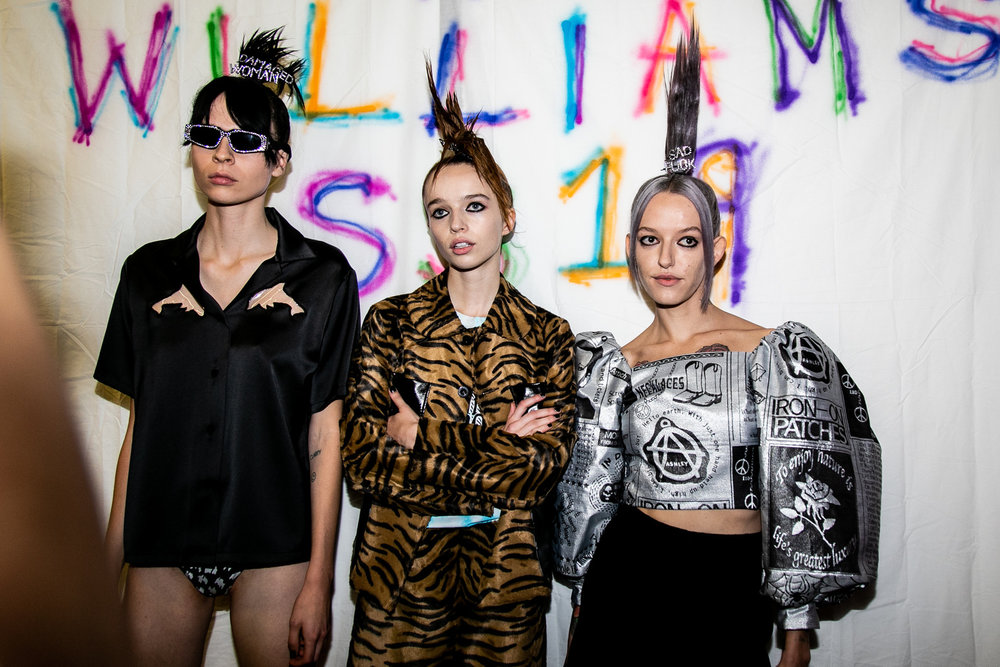 https_%2F%2Fhypebeast.com%2Fwp-content%2Fblogs.dir%2F6%2Ffiles%2F2018%2F09%2Fashley-williams-lfw-backstage_3665-2.jpg