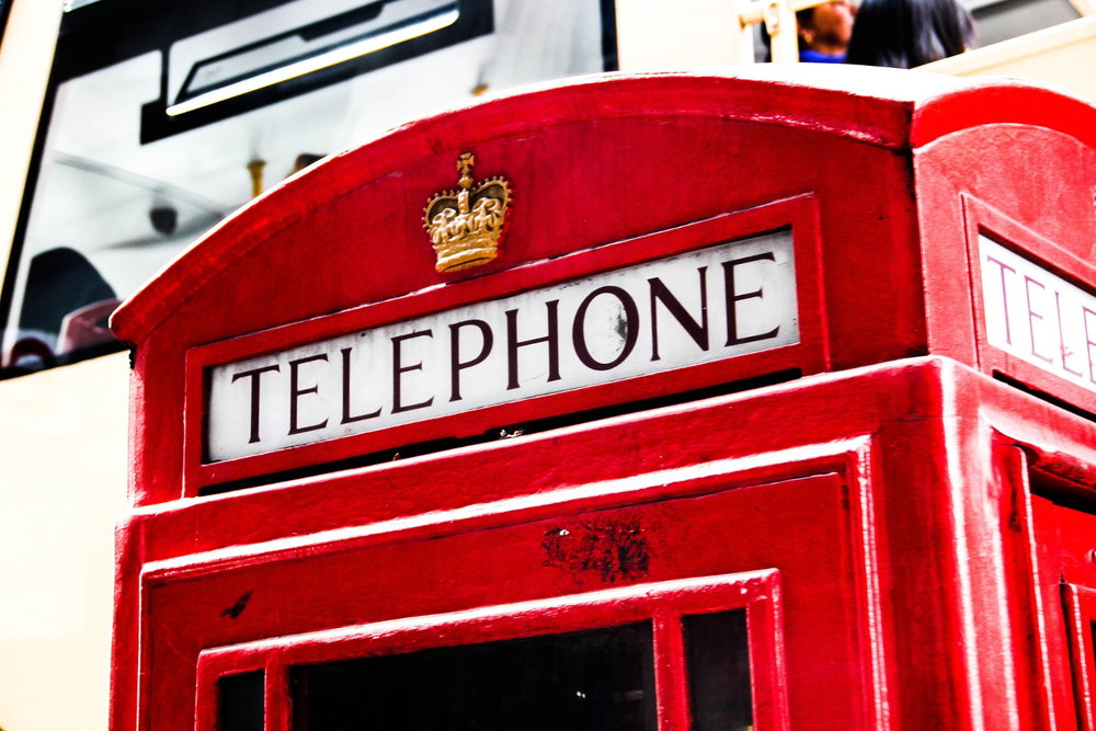 screw_the_average_uk_us_differences_phonebooth.jpg