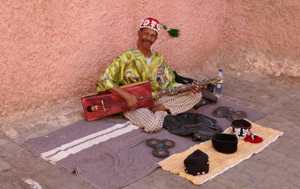 Marrakech Marrakesh Morocco Tourist Tips and travel information city guide how to what to know before you visit where to stay hotels riads street performer tips tipping culture pictures warning expected