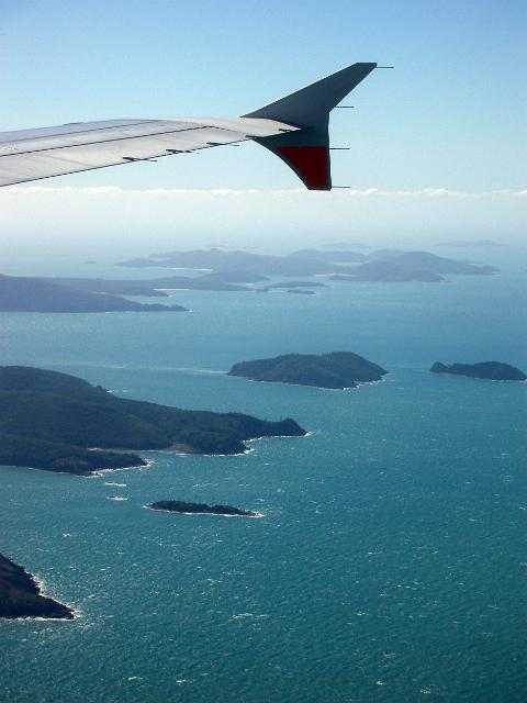 An aerial view of the Whitsunday Islands off the northeast coast of Queensland, Australia | Source  Free Aussie Stock