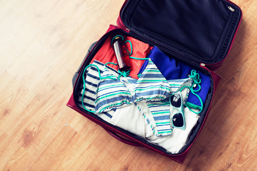 screw_the_average_women_travel_tips_packing_clothing_accessories_suitcase.jpg