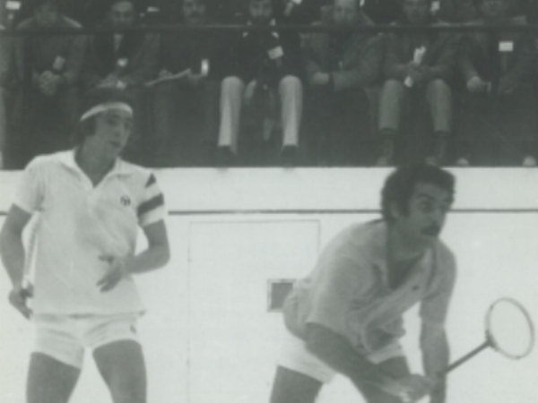 Sharif Khan (R) vs. Michael Desaulniers (L) in The Hyder Trophy in 1977.