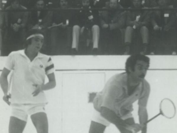 Sharif Khan (R) vs. Michael Desaulniers (L) in The Hyder Trophy in 1977.