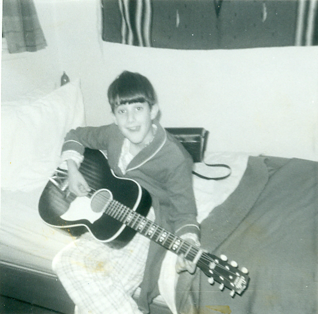 With my first guitar in 1971