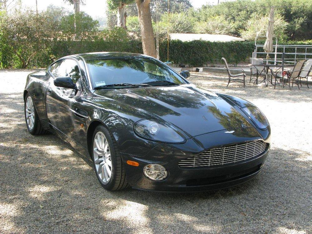 Aston Martin1.jpg