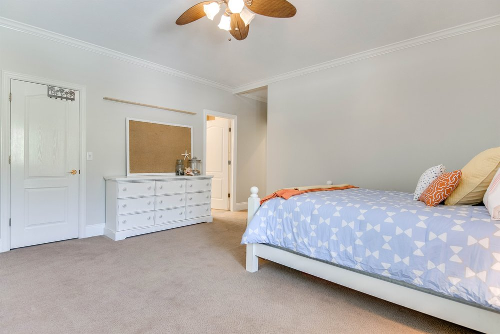 045_Bedroom.jpg