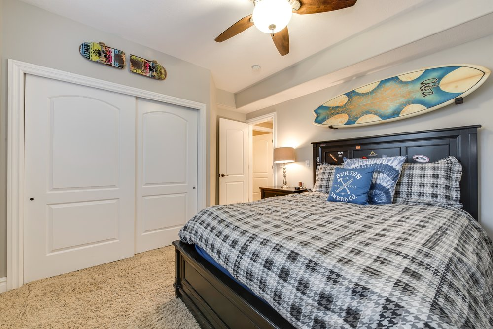 036_Bedroom.jpg