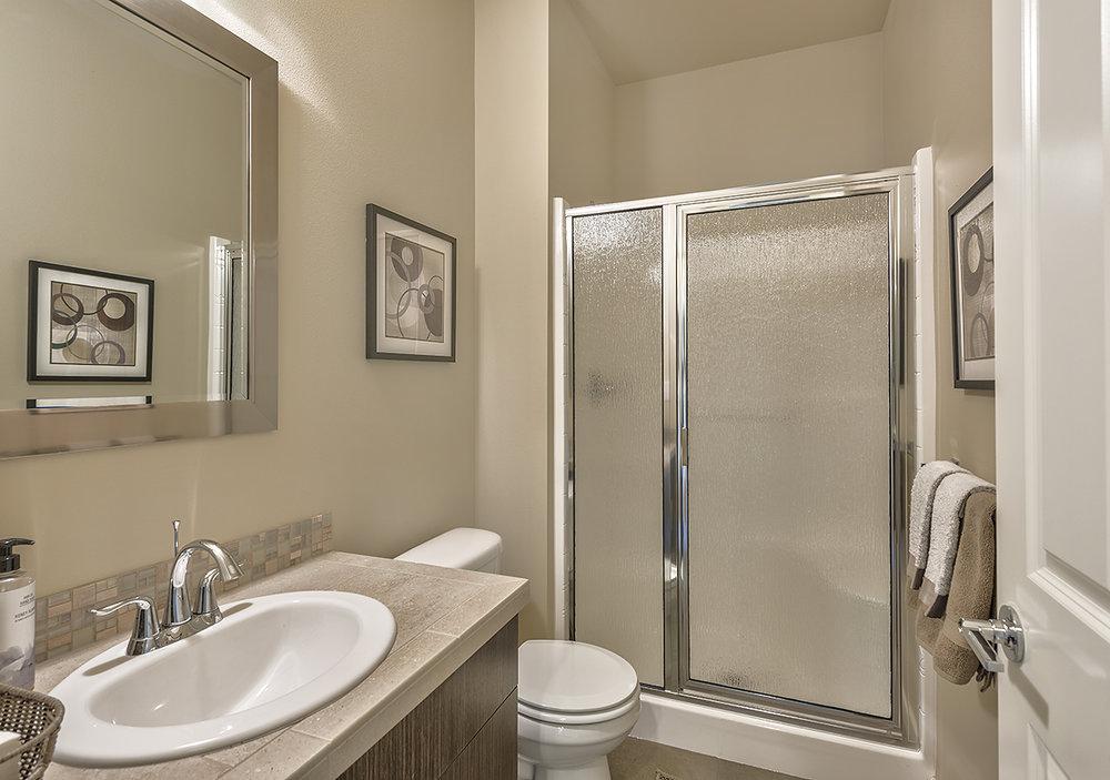 bathroom down.jpg