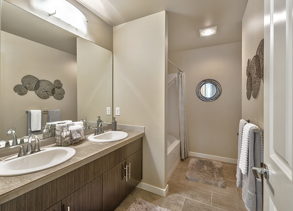 bathroom up.jpg