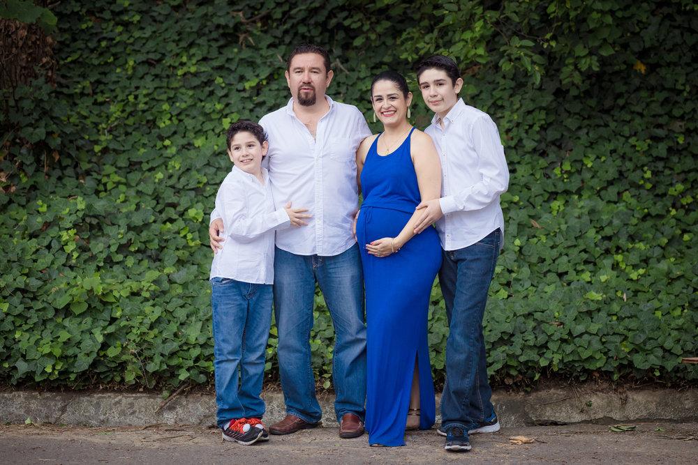 Laura&Family-091.JPG