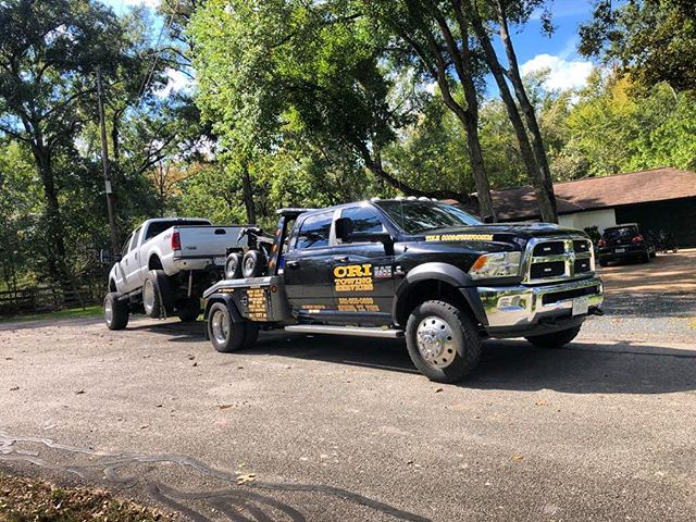 Here we go!!! We are towing Texas 🇺🇸. . . . . #critowing #towing #tow #truck #htown mhouston #texas