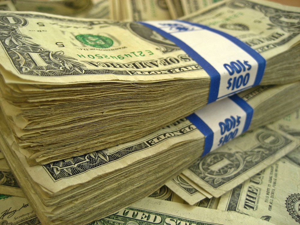 "Who doesn't like cash? (via Flickr user ""401(K) 2012"")"