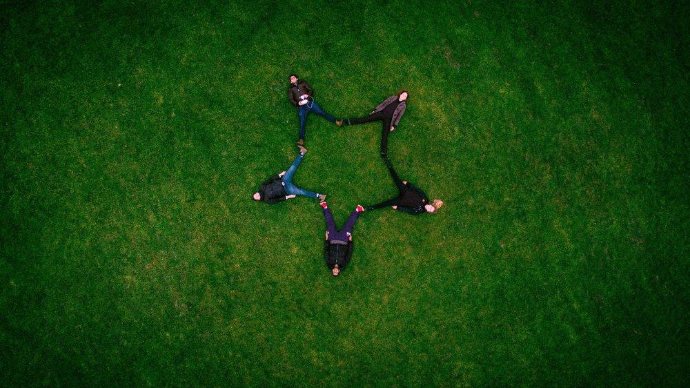 Ryhmäpsykoterapia Oirekohtaiset ryhmähoidot Kurssit