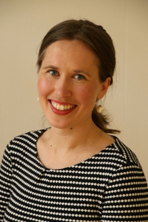 Sini-Maria Tuomivaara    Tanssi-liiketerapeutti, MBSR/mindfulness-ohjaaja, MA