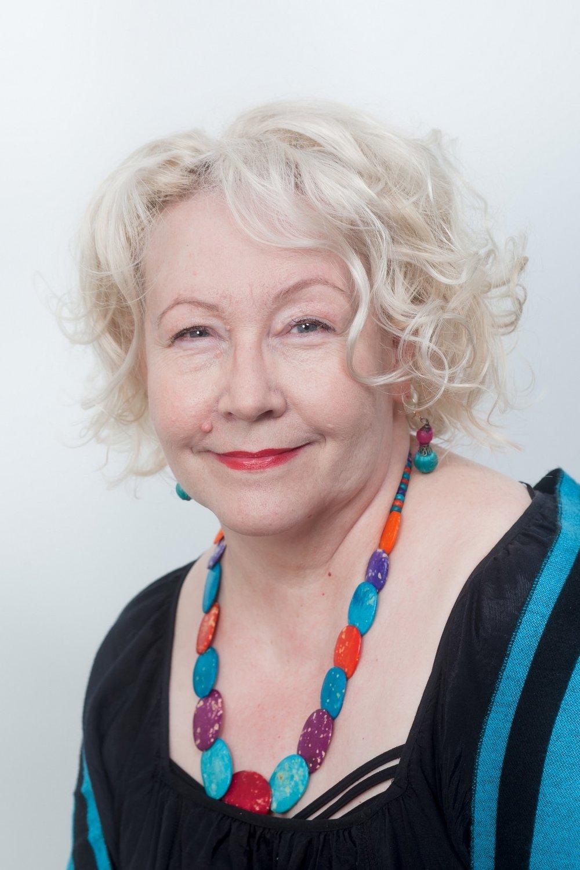 Leena Boltar    Psykoterapeutti, psykodraamaohjaaja, rentoutusohjaaja, johdon ja esimiesten työnohjaaja, PsM