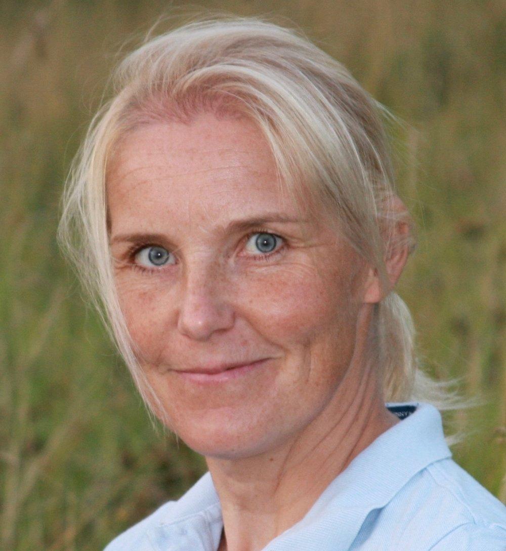 Vappu Alatalo  PsM, sertifioitu urheiluspykologi, tyonohjaaja, psykoterapeuttikoulutuksessa