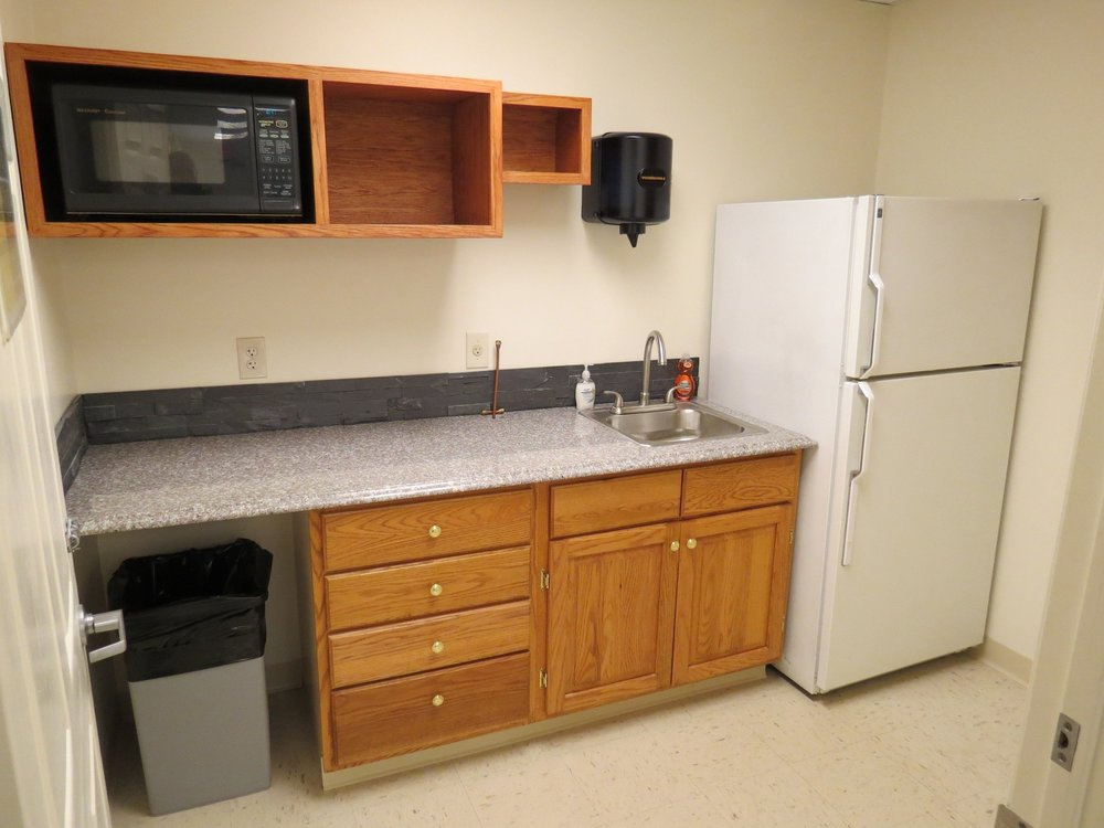 Chestnut-Kitchenette-03-21-2015-01.JPG