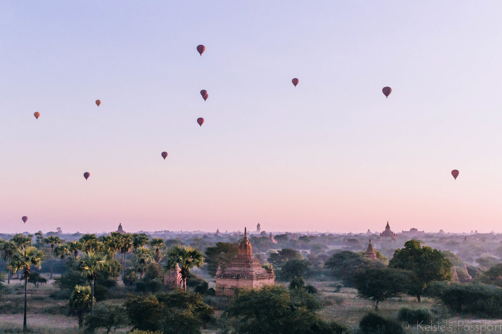Classic photo of the temples of Bagan.
