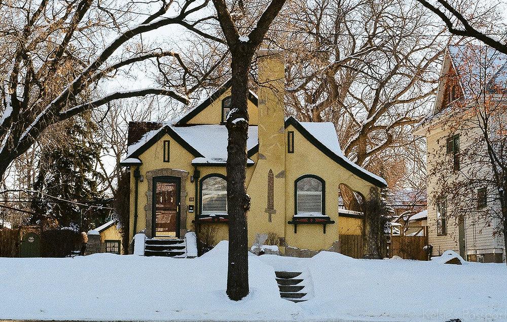Saskatoon_houses_-2.jpg