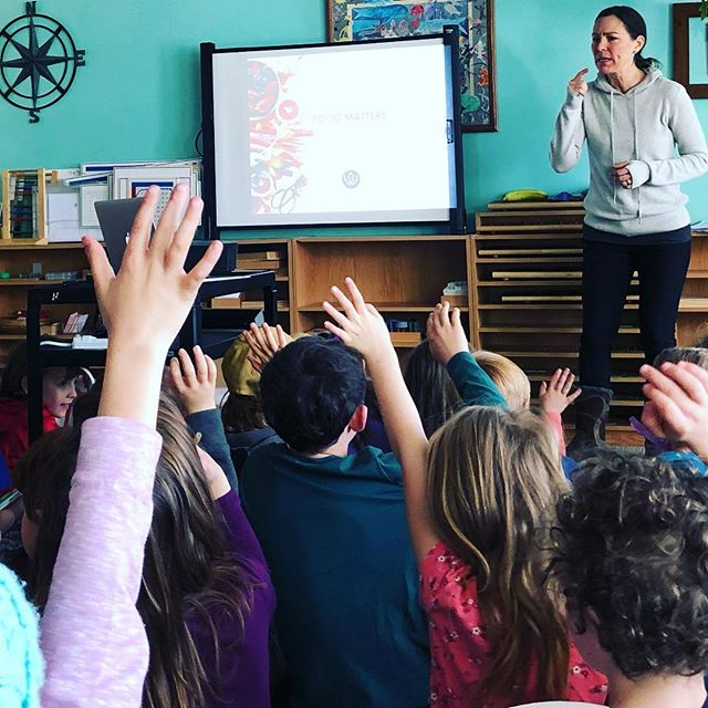 So many hands waving wildly!! Had no idea it would be so much fun to present to grade schoolers about healthy eating. Food Matters, y'all!! And our kids couldn't agree more! They don't want to feel icky and lethargic, they want to be the best versions (of themselves) they can be! Guess what will help get them there? You know it! The 🌈!! * * * #foodmatters #kidapprovedfood #kidapproved #playhard #eattherainbow #eattogether #functionalfoods #functionalfood #functionalmedicine #functionalmedicinecoach #coloradocoach #secondact #food #mindbodyconnection #rootofhappiness