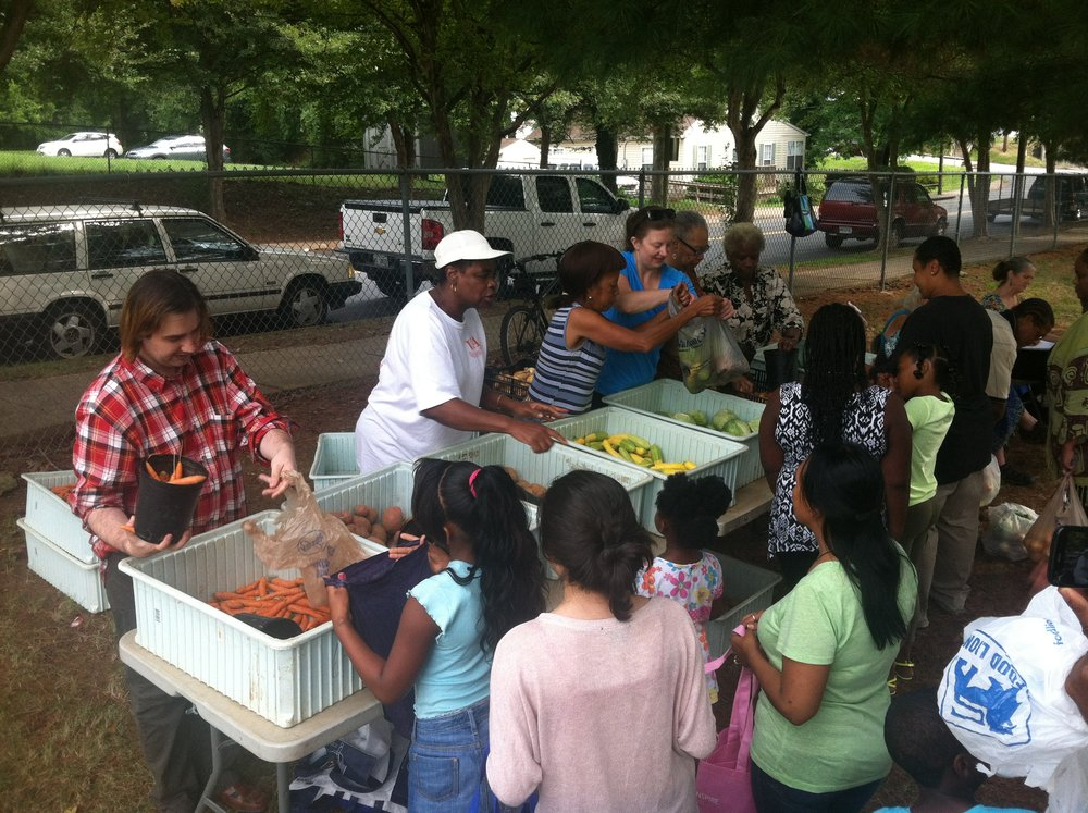 Market day at Sixth Street - August 2014