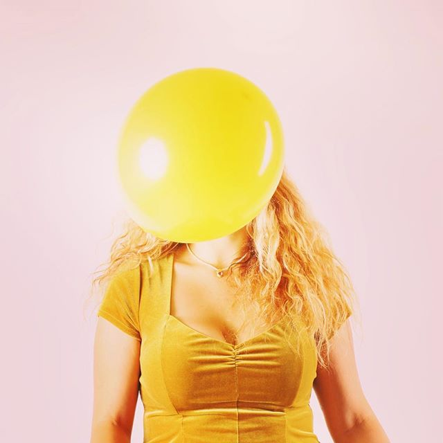 Pop me 💥 📸: @rolandjamesphotography . . . . #xmekate #xmekatemusic #rolandjamesphotography #acaliforniastory #california #photography #photooftheday #picoftheday #music #musician #balloon #yellow #mellow #popmusic #pop #singersongwriter #art #collaborativeart #songwriter #bizarre #odd #oddities #strange #hollyweird #hollywood #lamusic #lamusicscene #pink