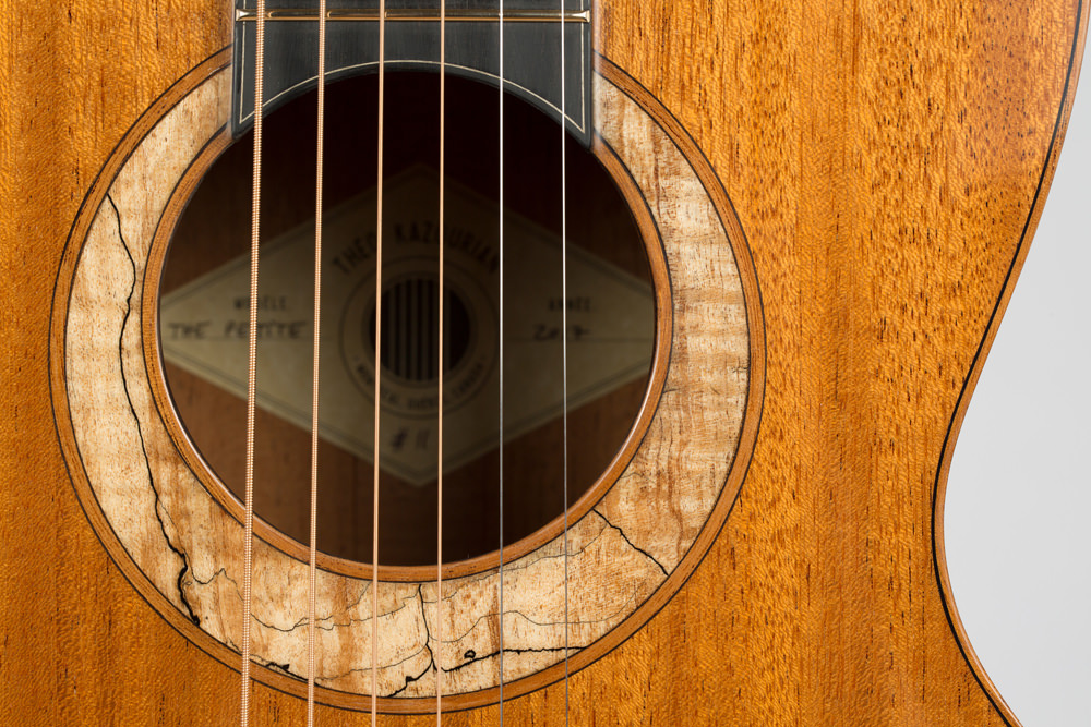 Theo Kazourian Luthier.jpg