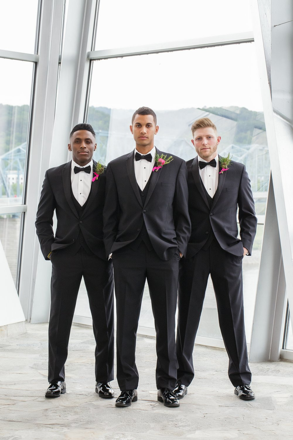 Fox-and-Fern-Groomsmen-Boutonnieres-2050-Styled-Shoot.jpg