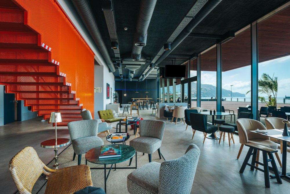 Funchal_Lounge_Area.jpg