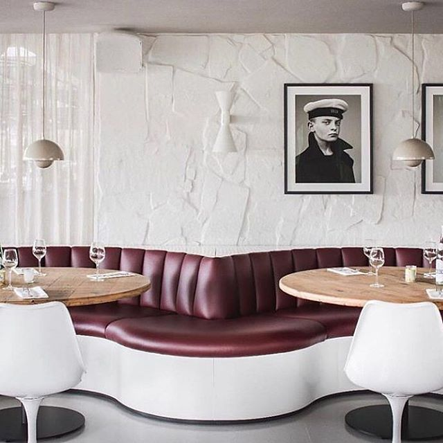 HELLO SAILOR:: I don't know where this image was taken (help me Internets?) but the leather sofa and white tulip chairs are just so stylish together I needed to share this. That wine colour is my colour of the moment - clothes, furnishings, everything. Plus, those walls, yes. 📷 @melaniemorrisinteriors and @architerior
