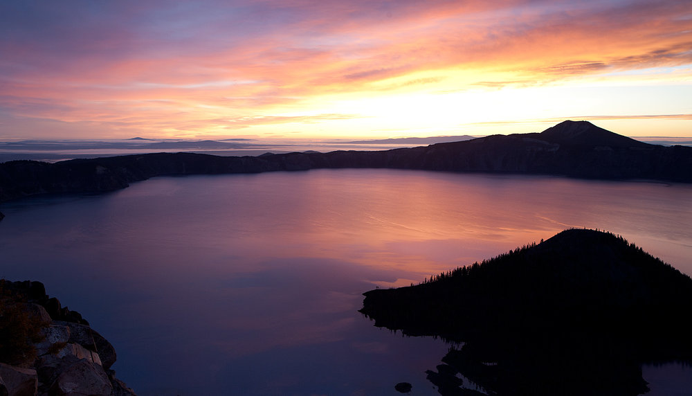 Crater-Lake-sunrise.jpg